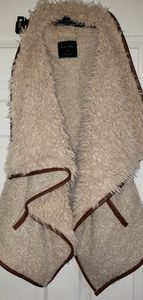 Love Tree tan faux fur vest size Large.